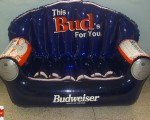 1-sofa hinchable budweisser
